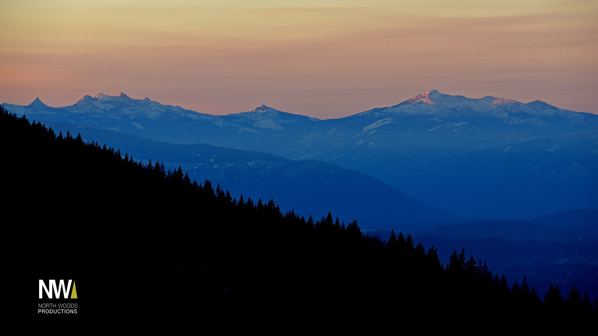 Mountains Sunset Gold Hill 2017 med res